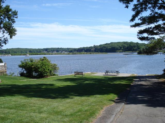 Public park at Essex CT